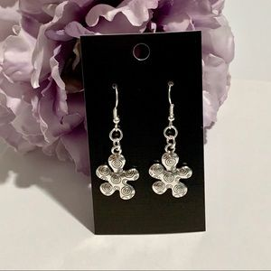 Retro Flower Dangle Fashion Earrings